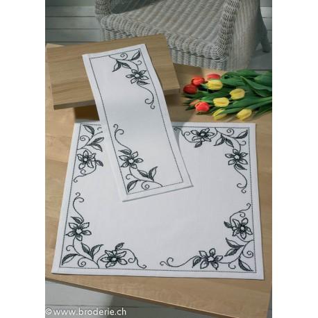 Permin, kit chemin de table Orchidée (PE63-4750)