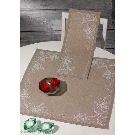 Permin, kit pour nappe orchidée vanille (PE27-3817)