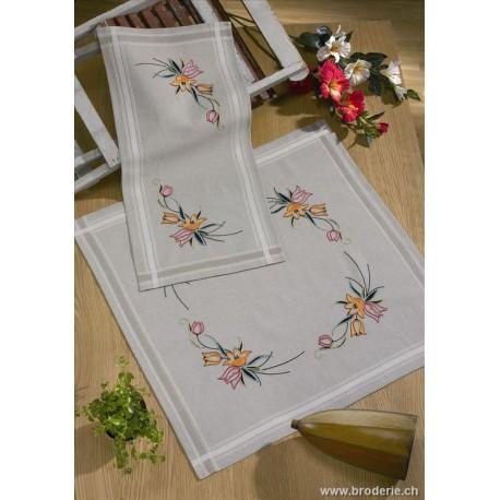 Permin, kit chemin de table imprimé tulipes (PE63-0606)