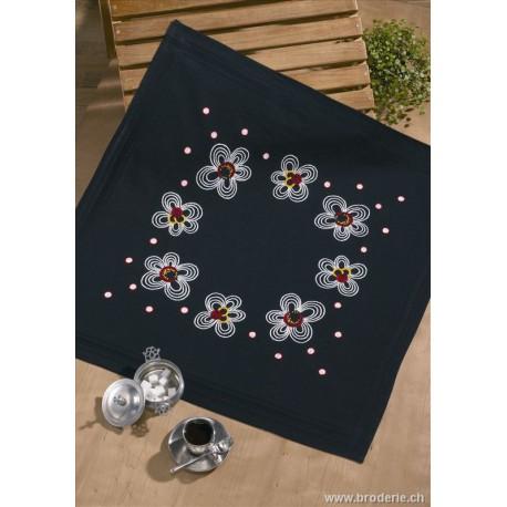 Permin, kit nappe imprimée noire fleurs (PE27-0646)