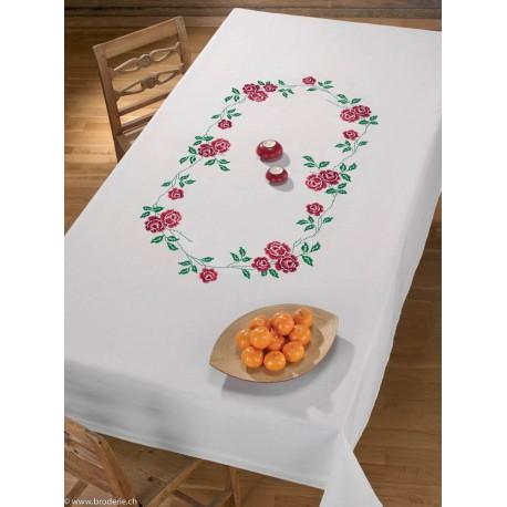 Permin, nappe imprimée Roses rouges dans les cotons (PE56-8839)